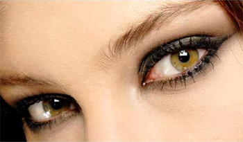 delineado de ojos