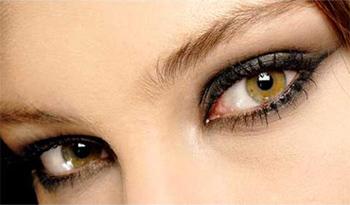 delineado de ojos permanente